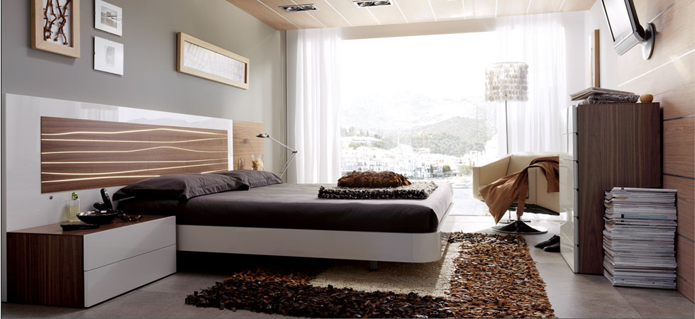 Modern Home 2GO. Aqua Bed Walnut/White with Light-Up Backboard