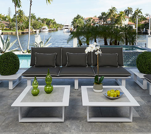 Modern Outdoor Lounging Furniture at MH2H