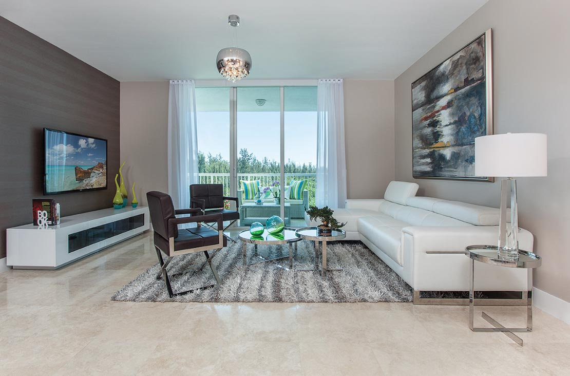 Interior Design by MH2G Furniture - Modern Livingroom at Biscayne 101: 2014